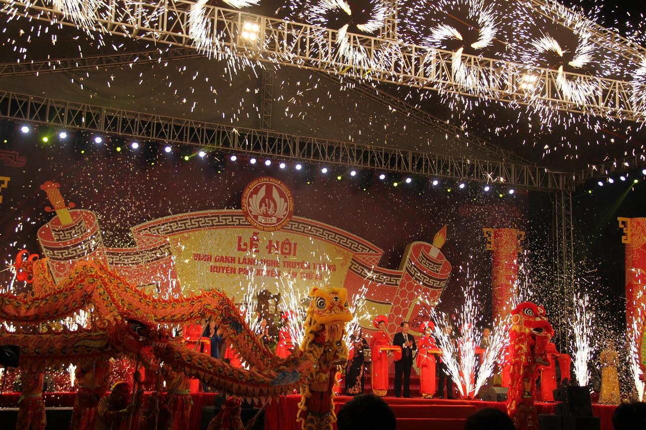 Lễ khai mạc lễ hội Vinh danh làng nghề truyền thống huyện Phú Xuyên lần thứ III năm 2017