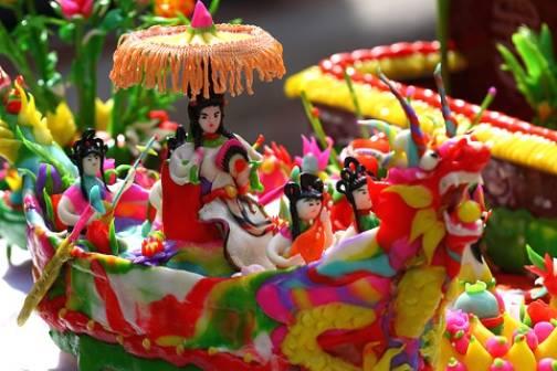 Lễ hội vinh danh làng nghề huyện Phú Xuyên lần 3 đưa nghệ thuật tôn vinh sản phẩm làng nghề