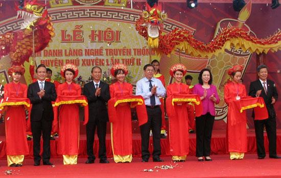 Lễ hội vinh danh làng nghề truyền thống huyện Phú Xuyên lần thứ III năm 2017