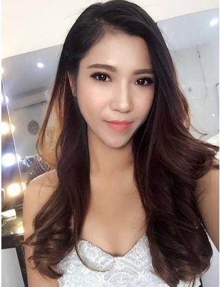 PG sự kiện Đàm Thu Trang