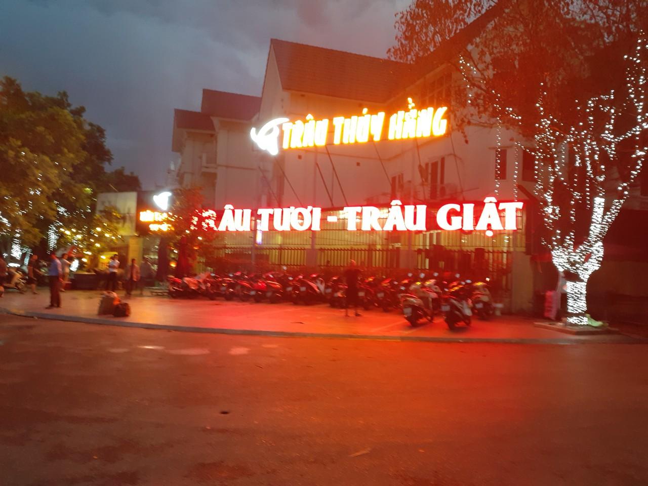 Gia Phạm thi công biển quảng cáo Nhà hàng Thúy Hằng