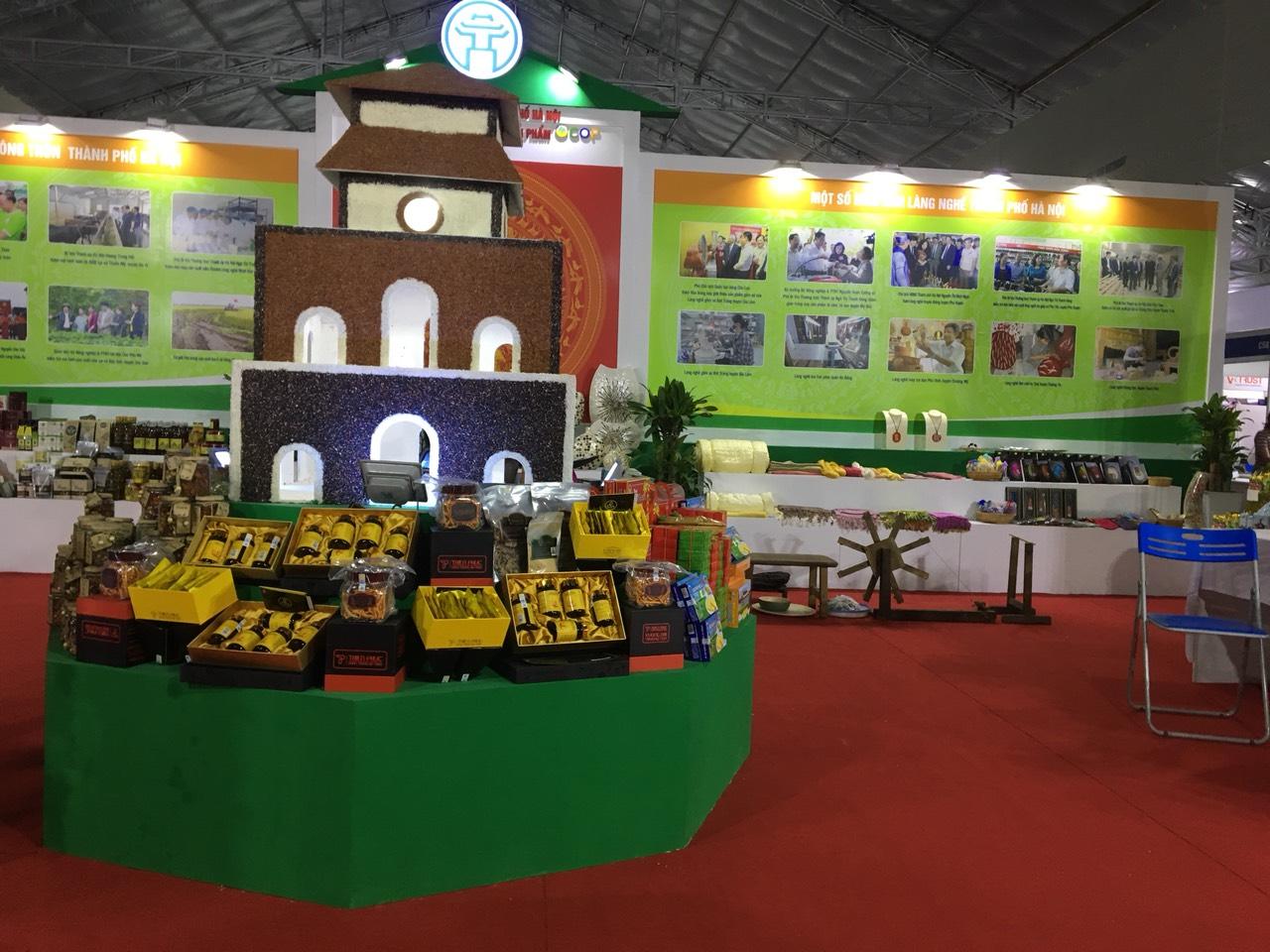 Gia Phạm thiết kế và thi công gian hàng Hội chợ Sản phẩm Nông nghiệp an toàn 2019