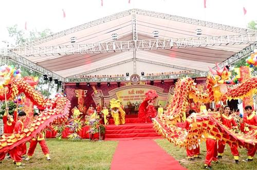 Lễ hội vinh danh làng nghề huyện phú xuyên lầ thứ III